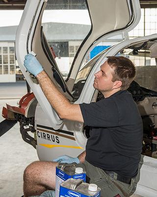cirrus aircraft avionics work