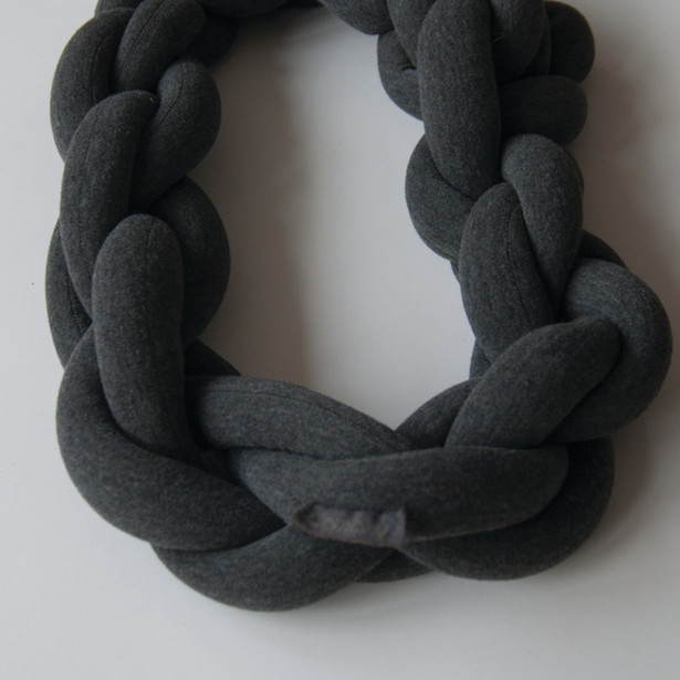 Comphy_Dark Grey_Circle_Manon Stoeltie
