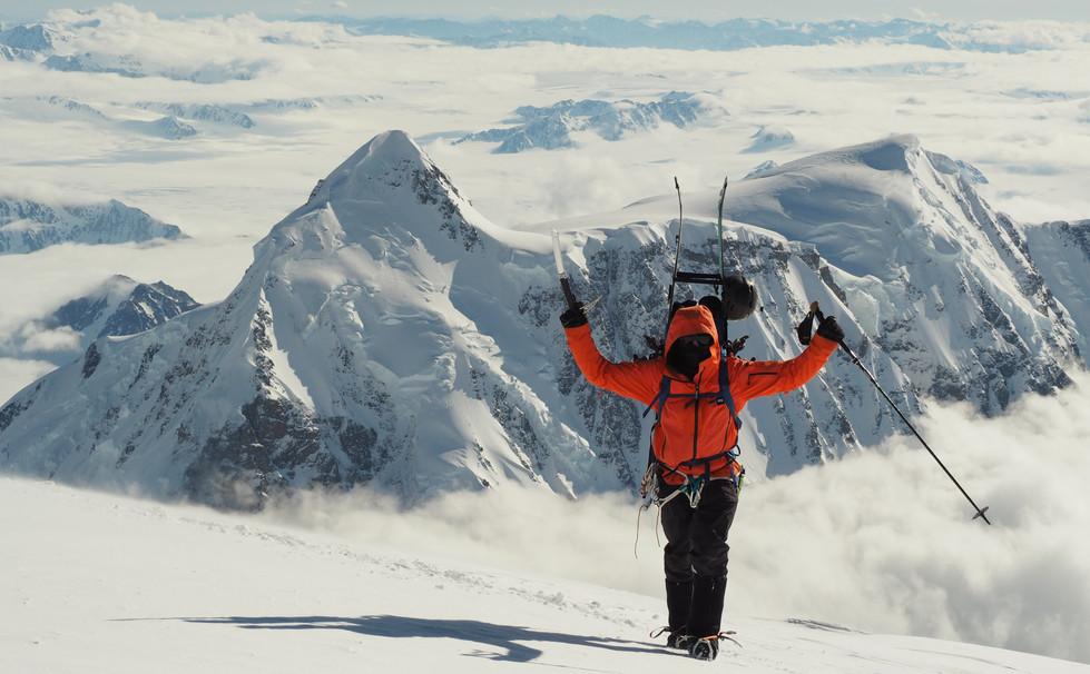Thomas reaching Logan's summit plateau