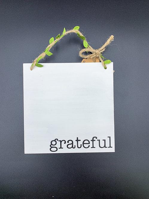 """""""grateful"""" Wall Hanger"""