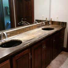 Double-Sink-Vanity-Stonework