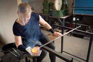 Elin Isaksson at work