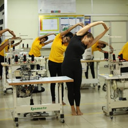 yoga_in_factory