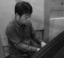 sasaki_trim_mono.jpg