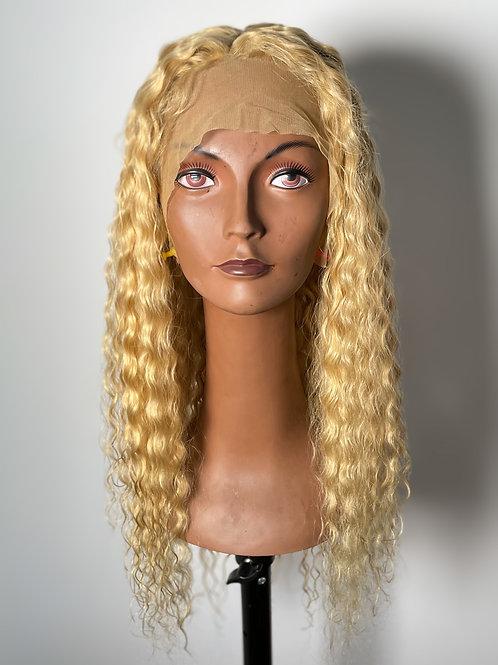 Lace wig loira cacheada