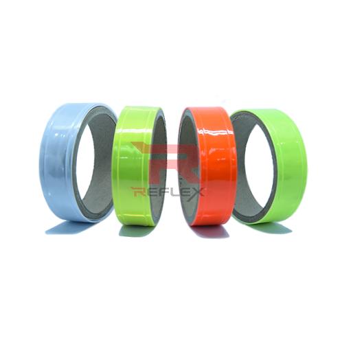 แถบพีวีซีสะท้อนแสงชนิดเเข็ง REFLEX® RT-E301