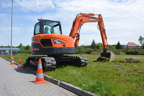 8 Tonne 360Tracked Digger - Doosan DX85R-3 Reduced Tail Swing Excavator