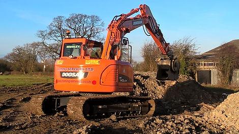 14 Tonne Digger - Doosan DX140LCR-3 Reduced Tail Swing Excavator