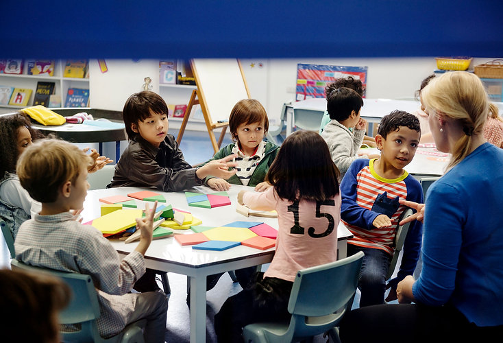 happy-kids-elementary-school-2000px.jpg