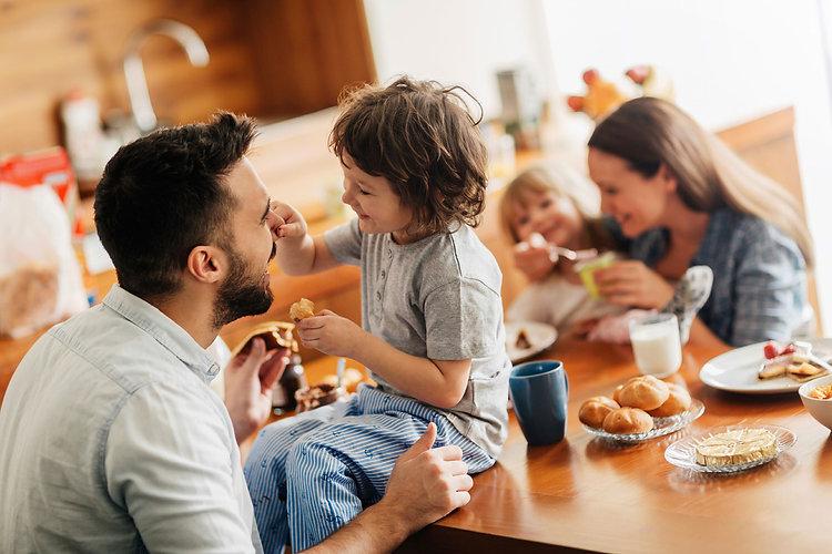 01-sabotage-metabolism-family-breakfast.