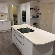 White Hi-Gloss Kitchen