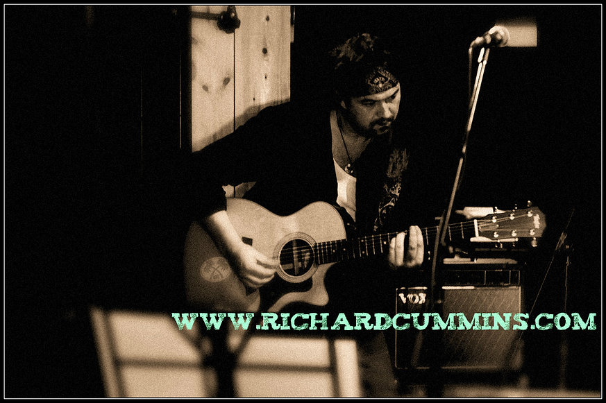 Richard Cummins and his Taylor 314 Acoustic Guitar which he uses for looping and Live Vancouver BC Concert Dates