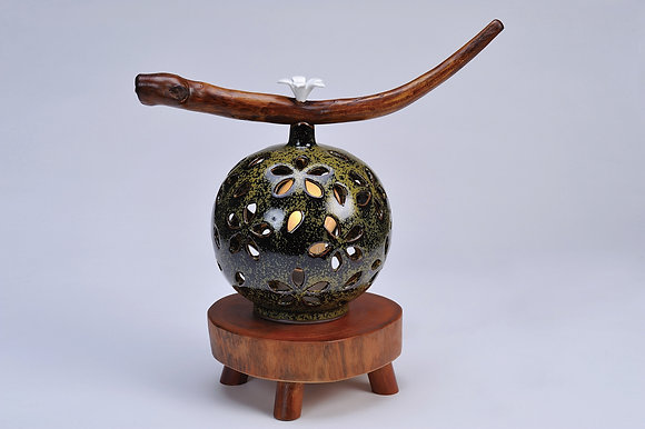 雪桐燈(茶末綠)