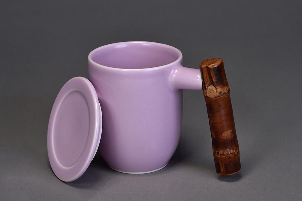 釉色:粉紫