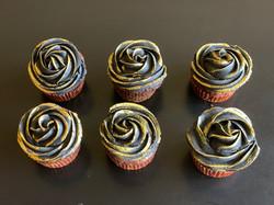 Black & Gold Cupcake