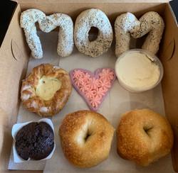 mom box1