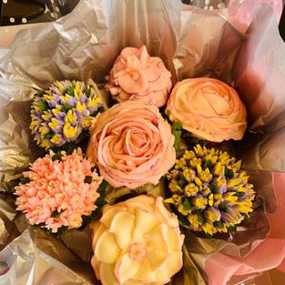 Cupcake bouquet (19 cc) -$99