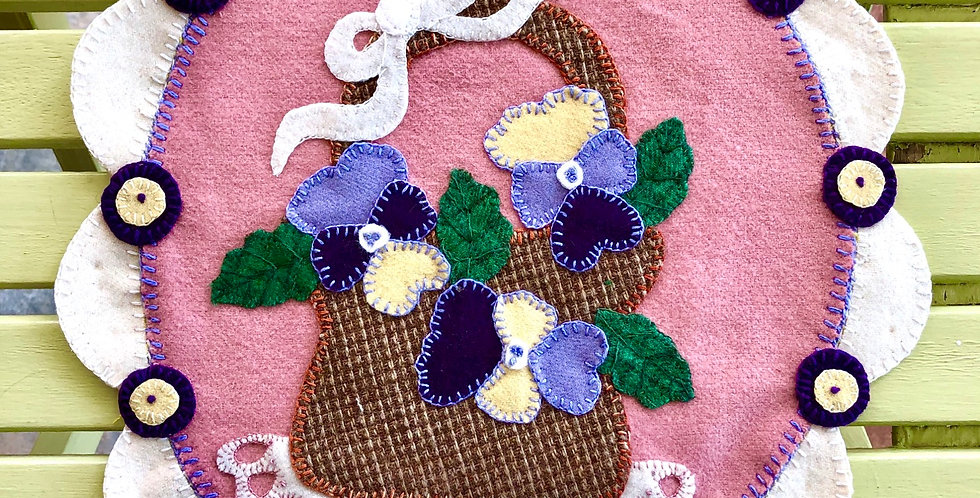 Pansy Penny Wool Table Mat