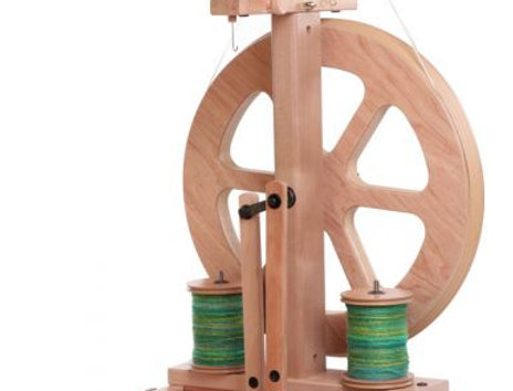 Kiwi 3 Spinning Wheel Natural