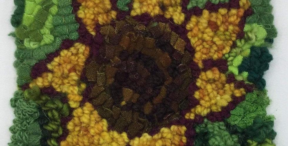 """Sunflower - Rug Hooking Beginner Kit 6"""" x 6"""""""