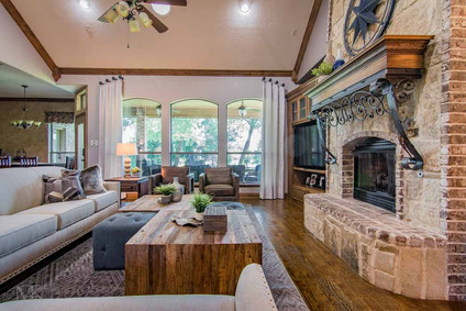 Fort Worth Southwestern Living Room Design by MTK Design Group