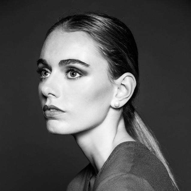 Fashion Makeup Artist Danielle Grasley