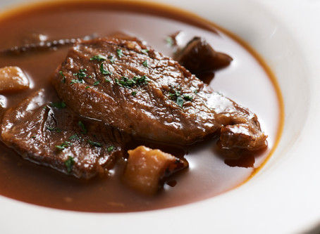 (復活!)牛肉のシェリー酒煮込みあります