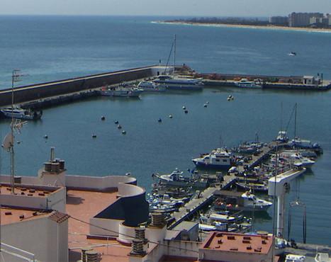 Fishing port of Blanes enlargement