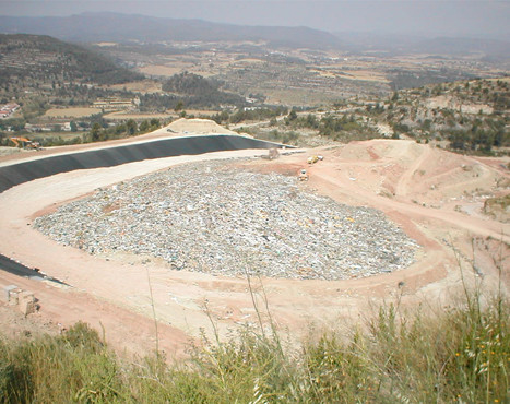 Waterproofing of the basin of the Bufalvent dump