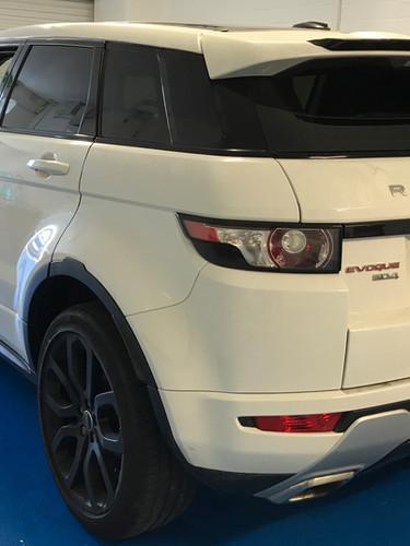 range rover evoque 5%