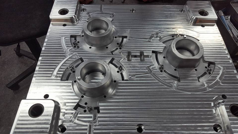 injection mold4.jpg