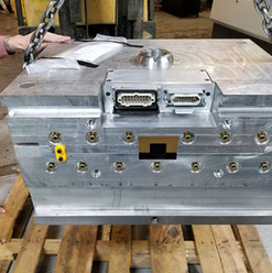 injection mold with hot drop.jpg