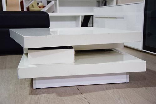 Mueble blanco brillante