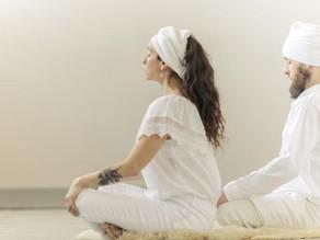 Tι να περιμένεις σε μια πρακτική Kundalini Yoga