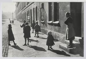 07.02 Kinder der Fannystraße (Werkswohnung der Weberei)