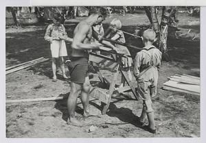 14.22 Der Zimmermann (Otto Barche) und seine Helfer