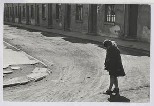09.03 Einsames Mädchen (Hanomag-Werkswohnungen)