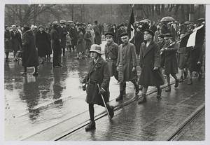 19.04.02 Pennäler marschieren mit