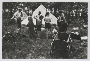 14.04 Ankunft einer Zeltgemeinschaft