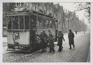10.12 Sonntagmorgen im Schneetreiben mit der Straßenbahn