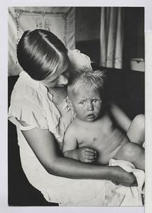 11.06 Das Kind und die Mutter (Landarbeiterin)