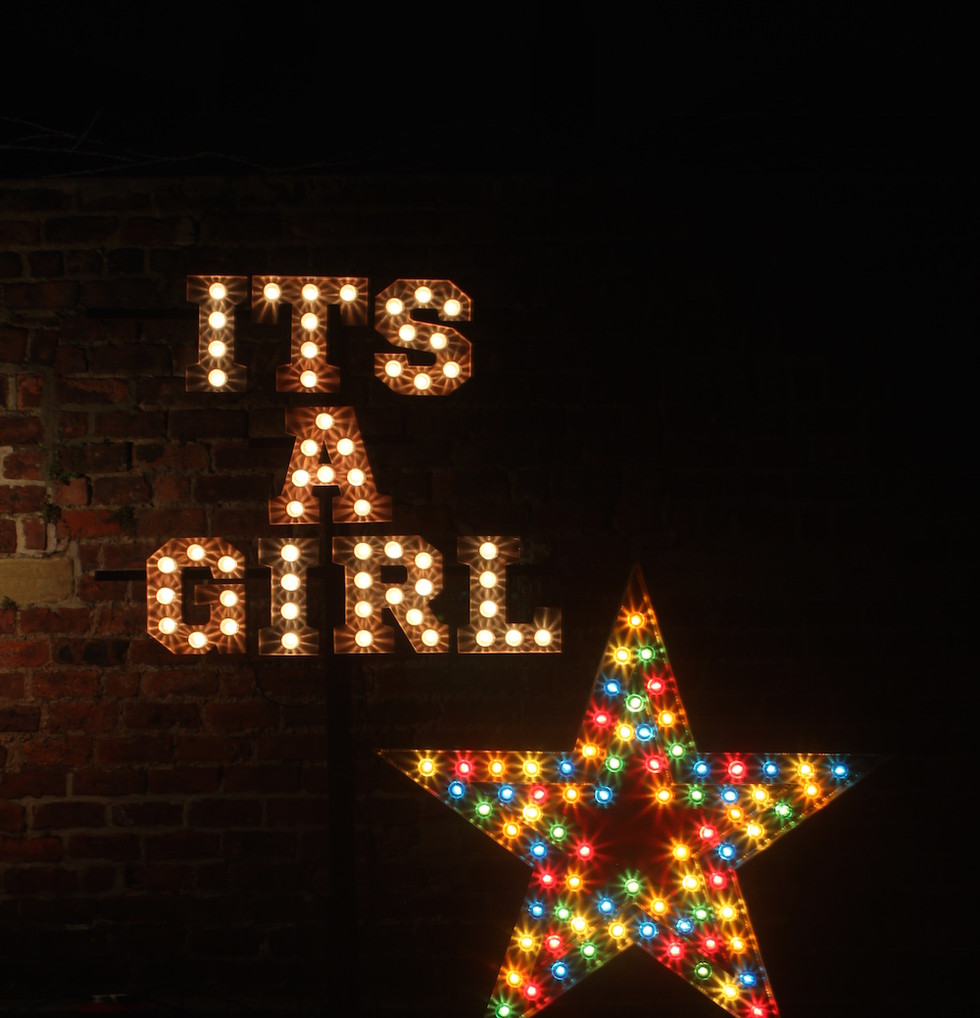 Mini Coco - Light up IT'S A GIRL sign wi