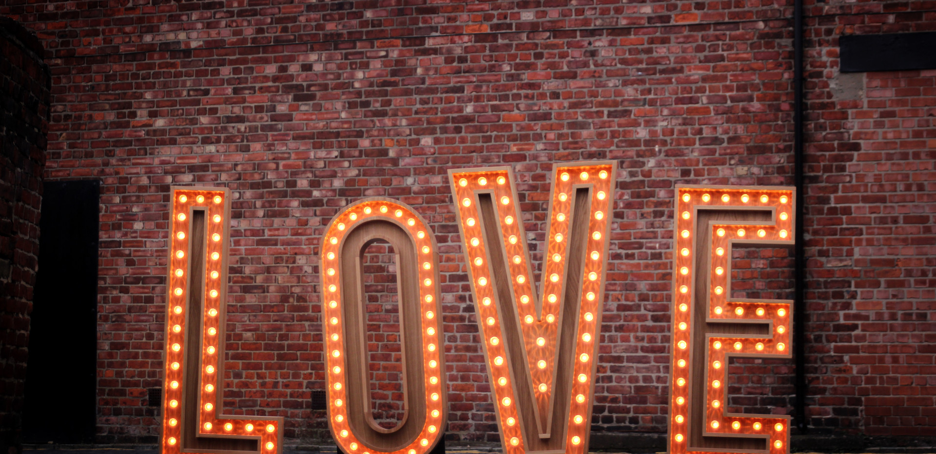 5ft Wooden LOVE letters