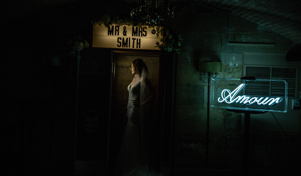 Amour Neon Sign