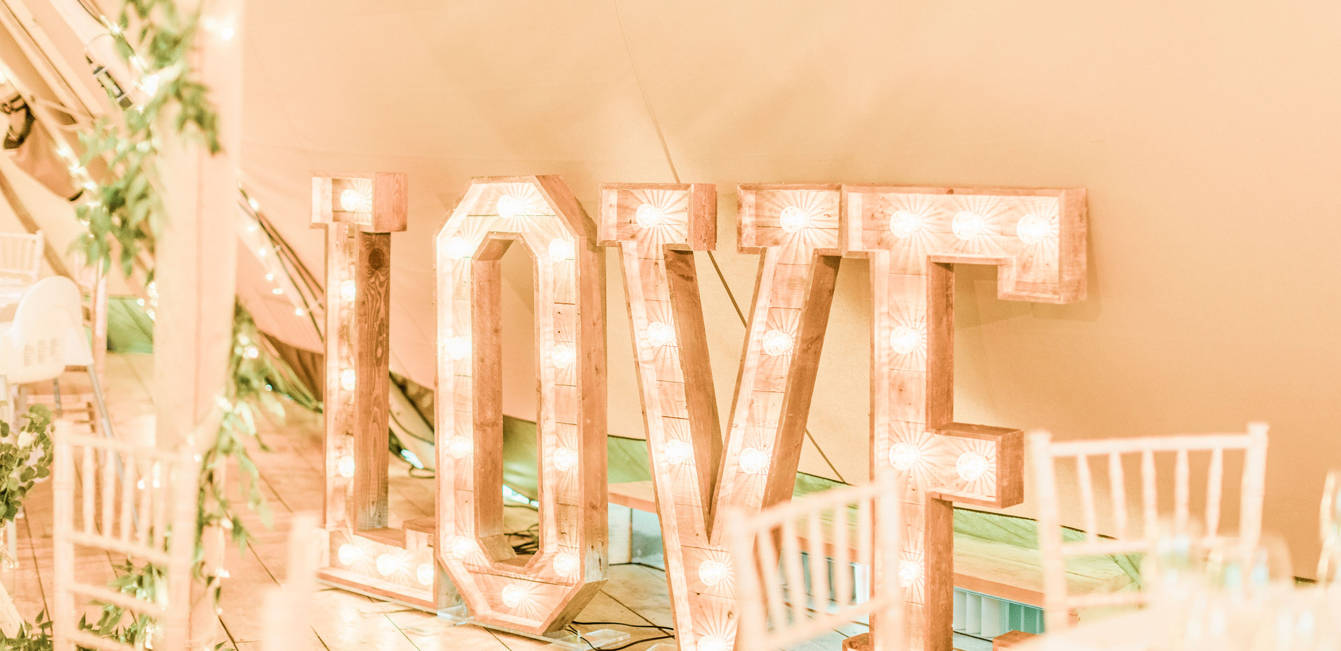 4ft Wooden LOVE letters