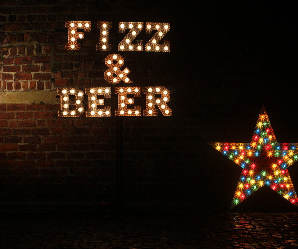 Mini Coco - Light up FIZZ & BEER sign wi