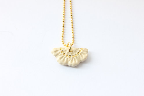 """Collier pendentif """"éventail"""" couleur blanc, doré à l'or fin"""