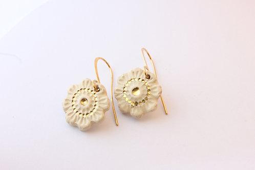 Boucles d'oreilles fleur doré à l'or fin