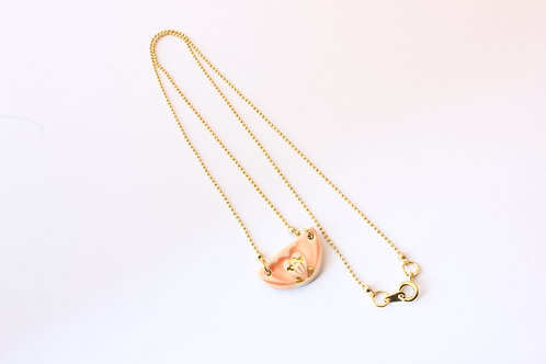 Collier rose poudré, doré a l'or fin