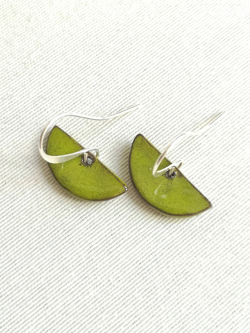 Boucles d'oreilles Vertes petits demi-cercle